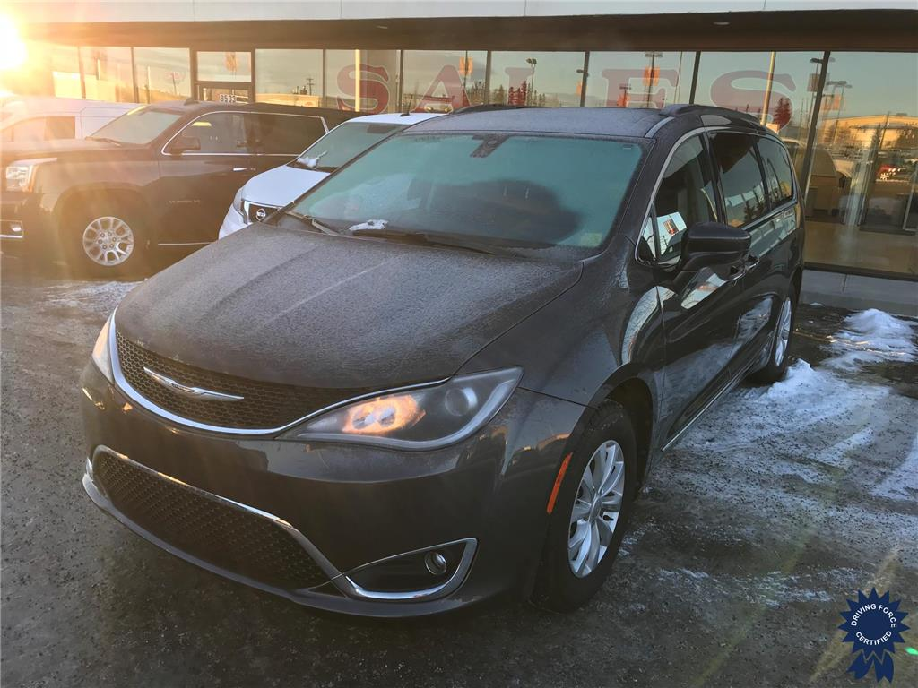 Click Here To View 2017 Chrysler Pacifica Touring-L - 139163