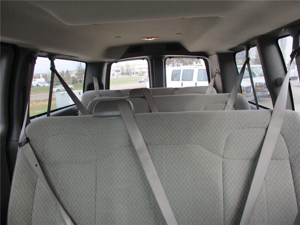 2017 Chevrolet Express Passenger LT - 139492