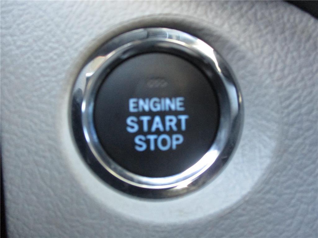 2017 Toyota Sienna XLE - 142379