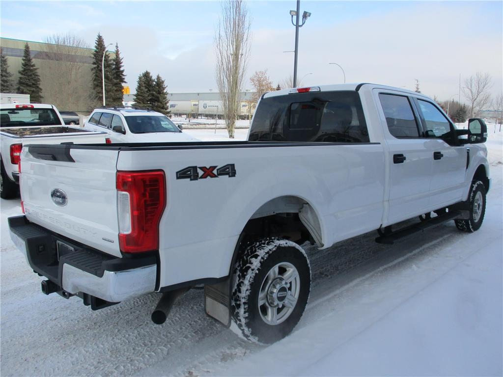 2017 Ford Super Duty F-350 SRW XLT - 157587