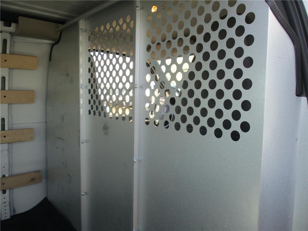 2017 GMC Savana Cargo Van  - 157935