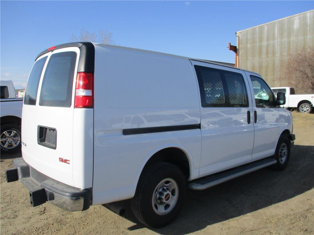 2017 GMC Savana Cargo Van  - 157943